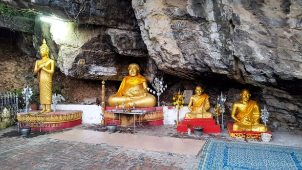 Buddha Statues on Mount Phousi