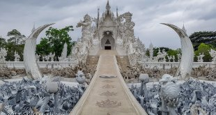 White Temple in Chiang Rai without Crowds