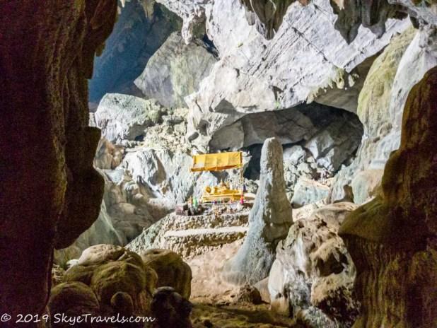 Shrine in Phu Kham Cave