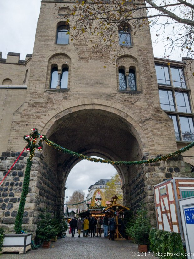 Hahnentorburg in Cologne