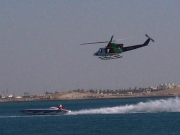 Szybkie łódki i superzwinne helikoptery - impreza dla dużych i małych chłopców w Doha