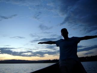 Kategoria platynowej karty Mastercard - Jezioro Wiktorii w Ugandzie