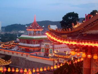 Świątynia Kek Lok Si w Penang w Malezji - dekoracja na chiński nowy rok