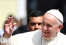 Pope in Panama blasts 'fears and suspicions' over migration