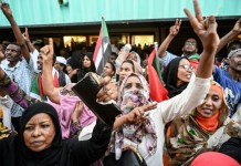 Sudan converge on army HQ for 'million-strong' protest