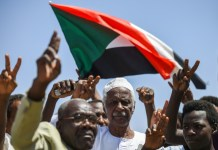 Shots fired in Sudan ahead of crunch talks on ruling body
