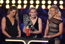 'Avengers' dominates MTV awards as Larsen honors stunt doubles