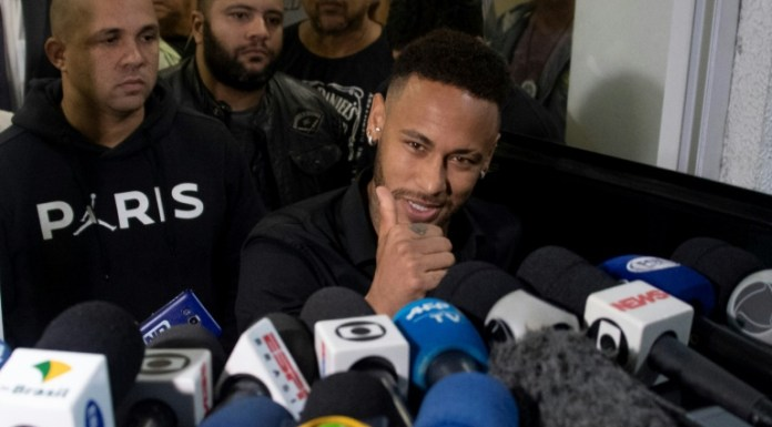 Brazil's Neymar in trouble over intimate pics of woman accusing him of rape