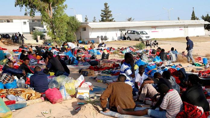 deadly air strike hits migrants
