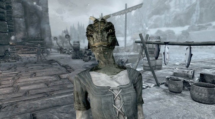 Argonian Shavee standing outside at the Windhelm Docks in Skyrim