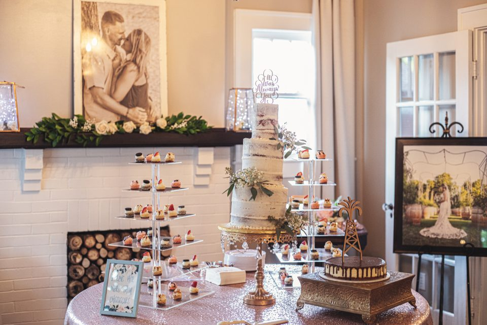 Wedding Cake Room | chapel at chestnut square in McKinney, TX | Skys the Limit Production