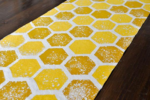 sponge print diy honeycomb table runner