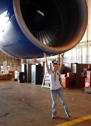 Holding up a 747