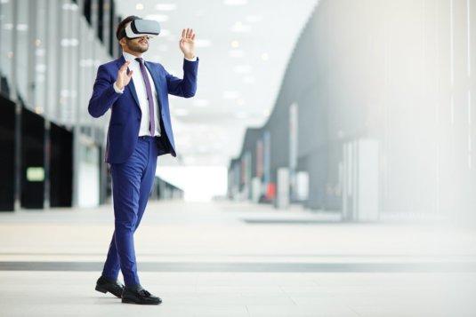 работяга в виртуальной реальности