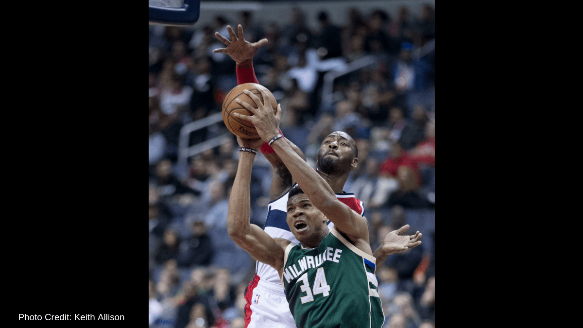 Bucks edge Raptors in battle of top Eastern teams