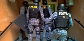 rendőrség rajtaütés