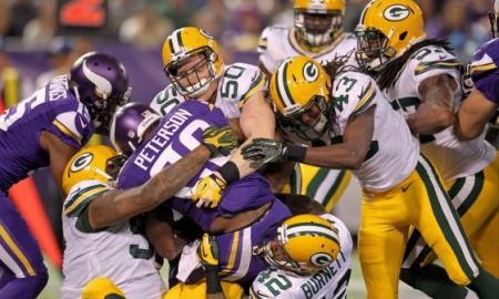 Packers Earn Huge Divisional Win, Down Vikings 30-13
