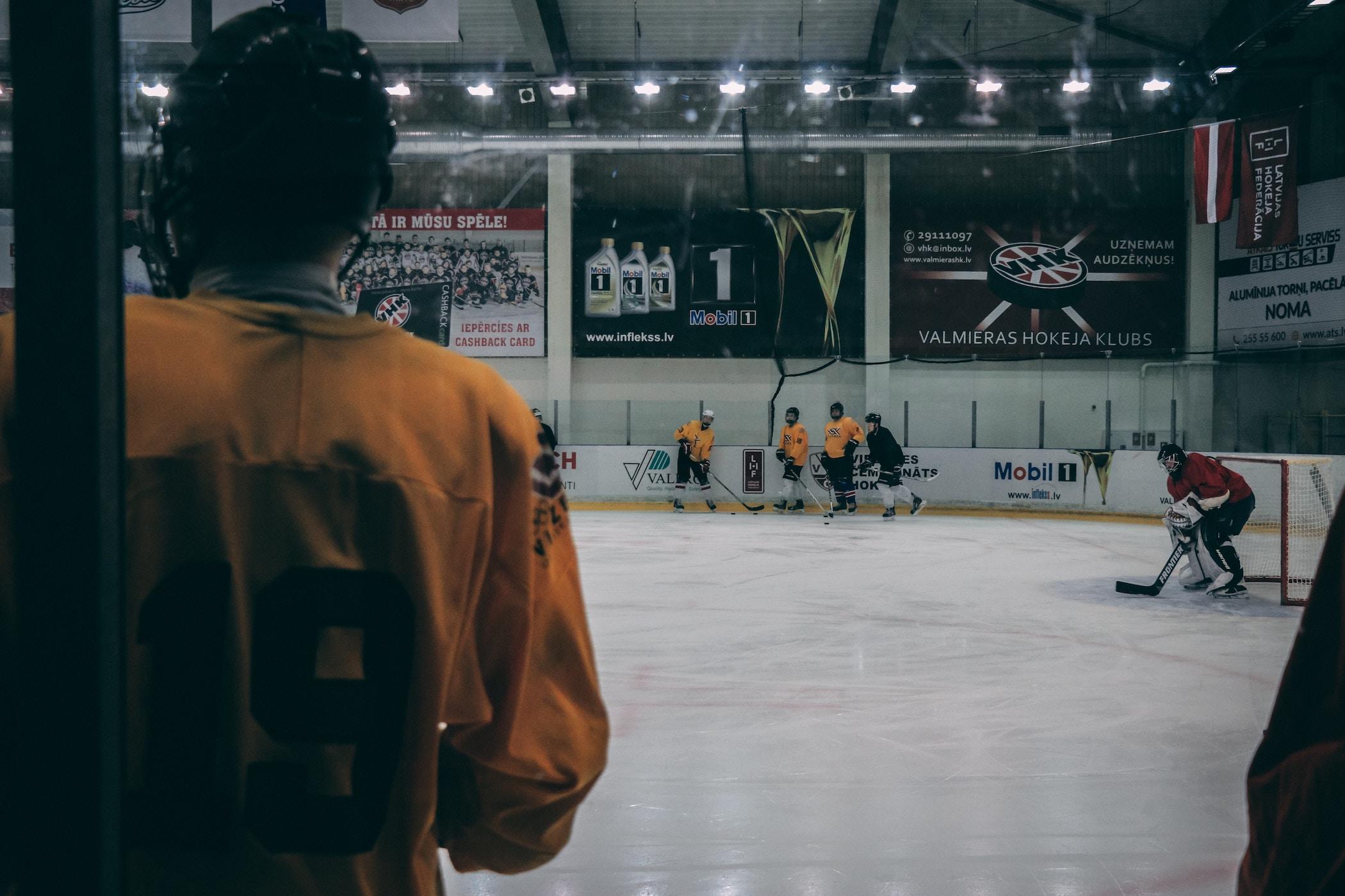 Slapshot-Hockey-2