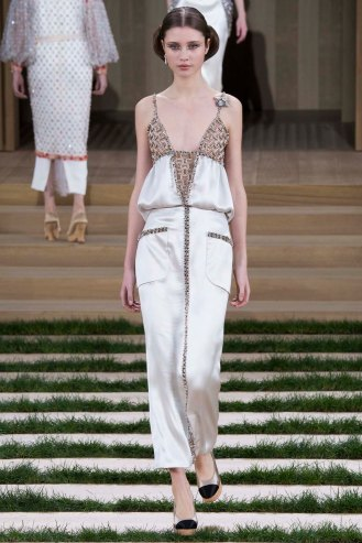 chanel-couture-spring-2016-pfw-34