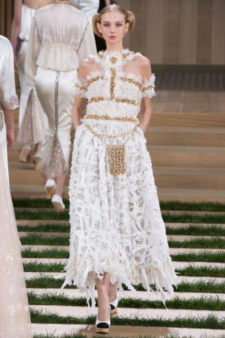 chanel-couture-spring-2016-pfw-48