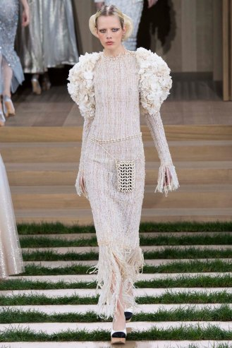 chanel-couture-spring-2016-pfw-50