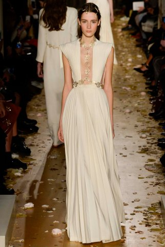 Valentino-couture-spring-2016-pfw-17