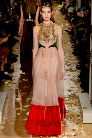 Valentino-couture-spring-2016-pfw-5