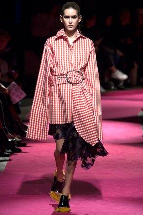 Marques-Almeida-AW16-lfw-rtw-womenswear-7