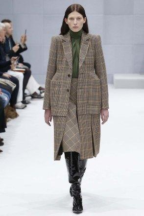 Balenciaga-aw16-pfw-womenswear-rtw-3