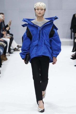 Balenciaga-aw16-pfw-womenswear-rtw-4