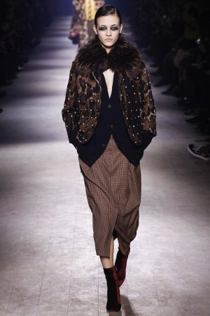 Dries-Van-Noten-aw16-pfw-rtw-womenswear-10