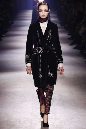 Dries-Van-Noten-aw16-pfw-rtw-womenswear-14