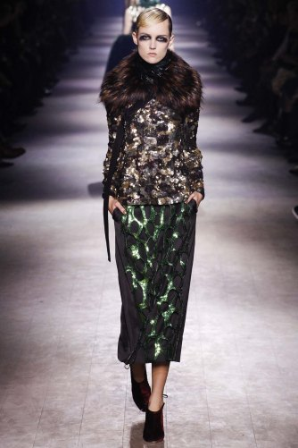 Dries-Van-Noten-aw16-pfw-rtw-womenswear-19