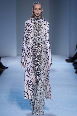 GiambattistaValli-aw16-pfw-rtw-womenswear-18