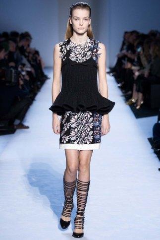 GiambattistaValli-aw16-pfw-rtw-womenswear-2