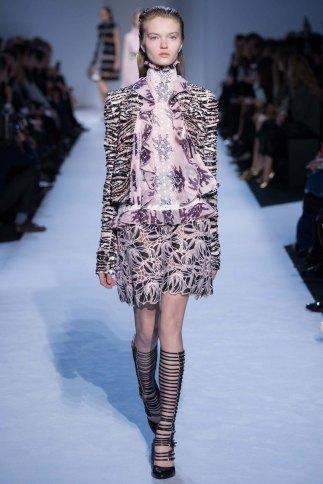 GiambattistaValli-aw16-pfw-rtw-womenswear-8