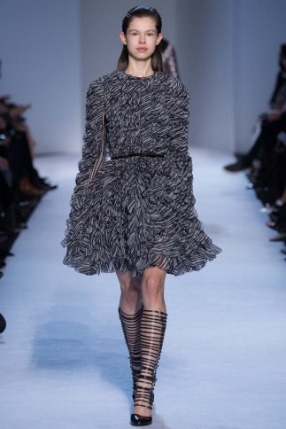 GiambattistaValli-aw16-pfw-rtw-womenswear-9