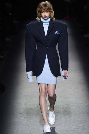 Jacquemus-aw16-pfw-womenswear-rtw-21