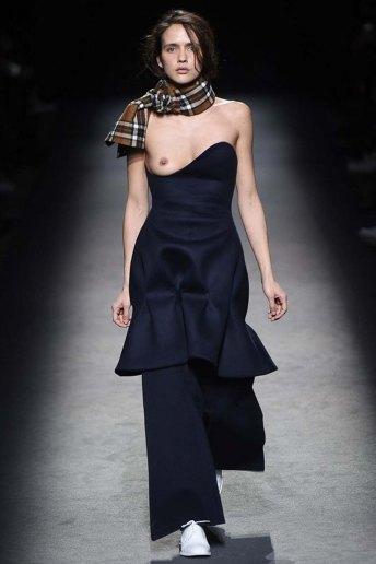 Jacquemus-aw16-pfw-womenswear-rtw-24