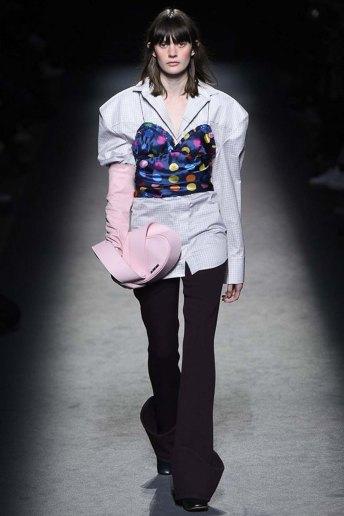 Jacquemus-aw16-pfw-womenswear-rtw-28