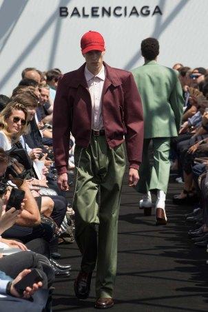 Balenciaga-spring-2017-pfw-slashitmag-menswear-8