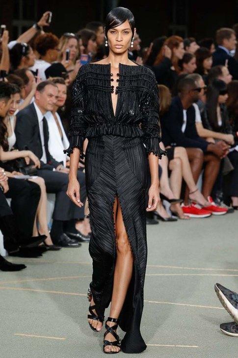 Givenchy-spring-2017-womenswear-slashitmag-pfw-19