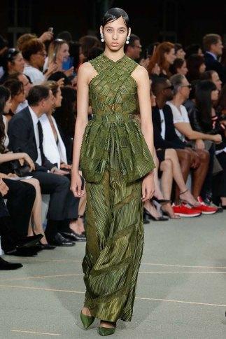 Givenchy-spring-2017-womenswear-slashitmag-pfw-23