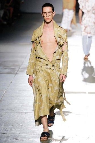 Vivienne-Westwood-spring-2017-menswear-mfw-slashitmag-fashion-22