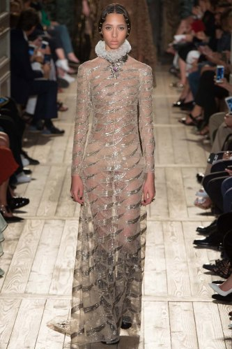 Valentino-fall-2016-couture-pfw-fashion-19