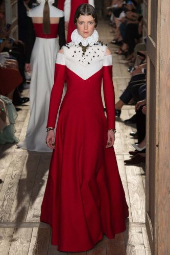 Valentino-fall-2016-couture-pfw-fashion-30