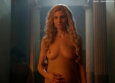 lucy lawless tits