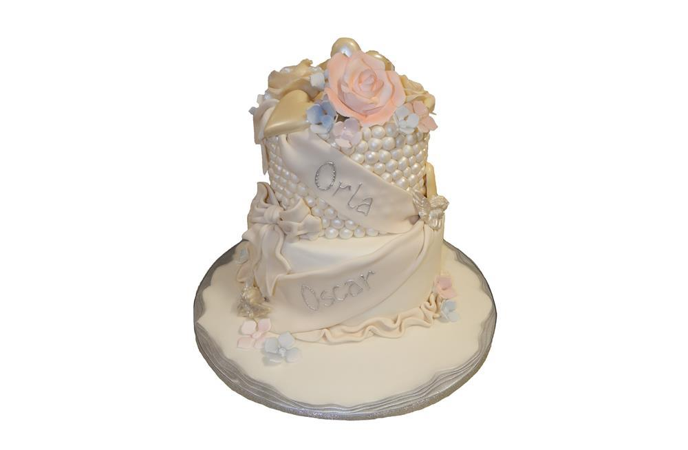Tiered Black Amp Gold With Flower Cake