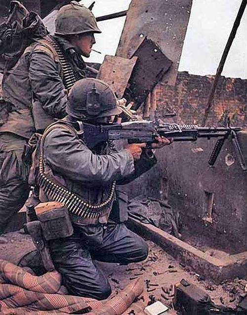 M60 Gunner and His Assistant Gunner During the Battle for Hue - Remembering The Vietnam War