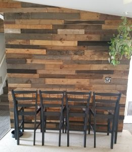 rustic kitchen pallet wall